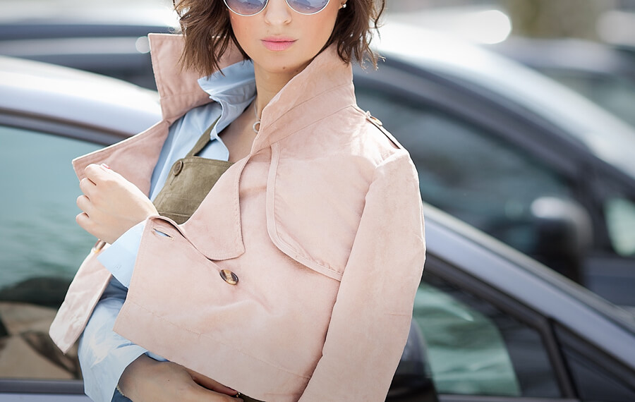 blush-cropped-trench