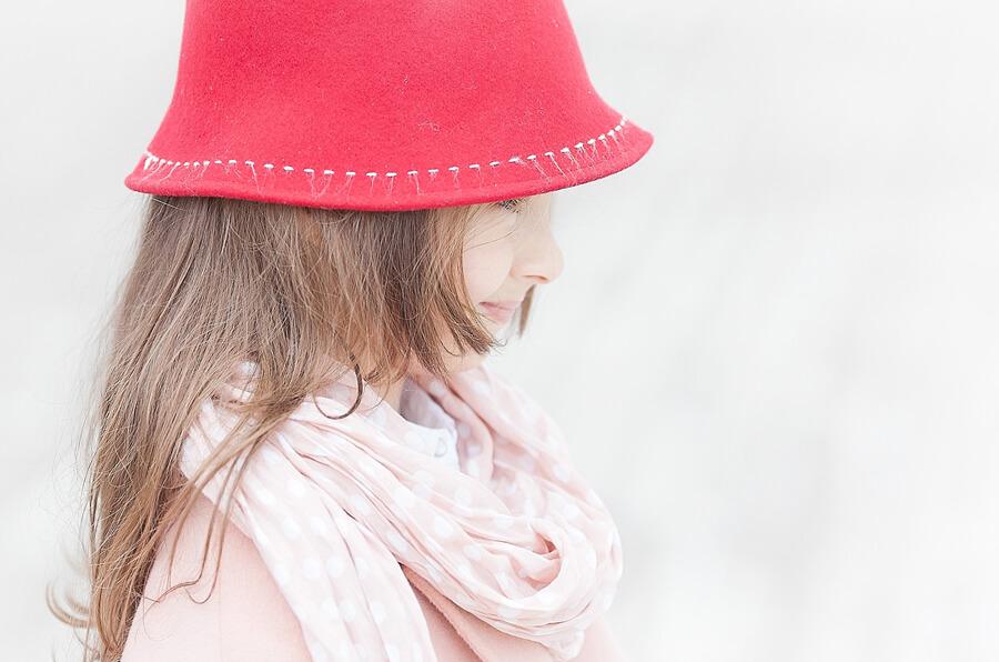 felt-red-hat-for-kids