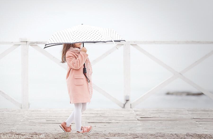 peach-coat-for-girls-under+umbrella_kids+fashion+blog