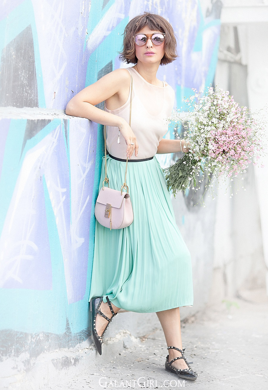 pastel-colors-summer-outfit