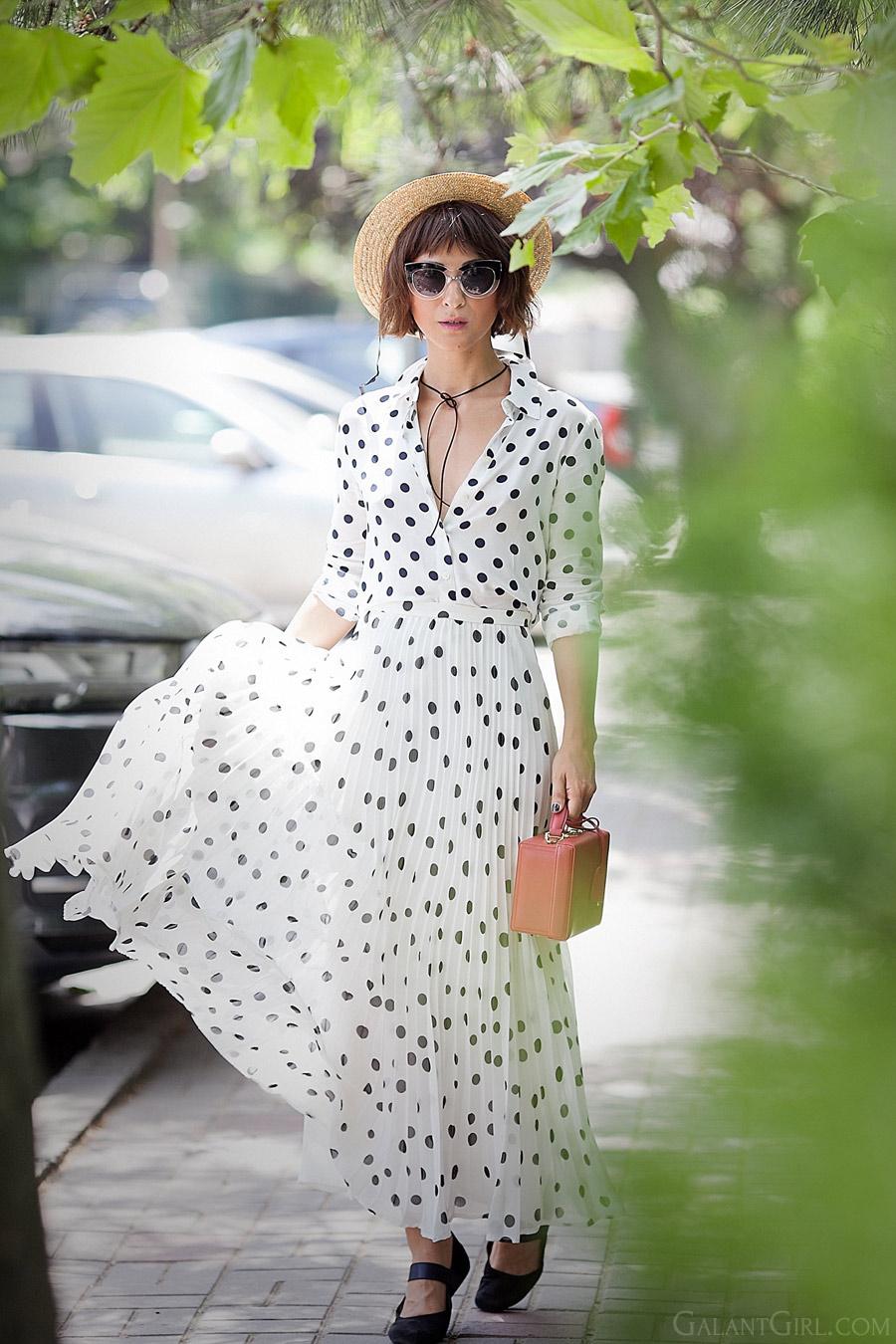 summer-maxi-dress_polka-dots-dress_street-style-for-summer