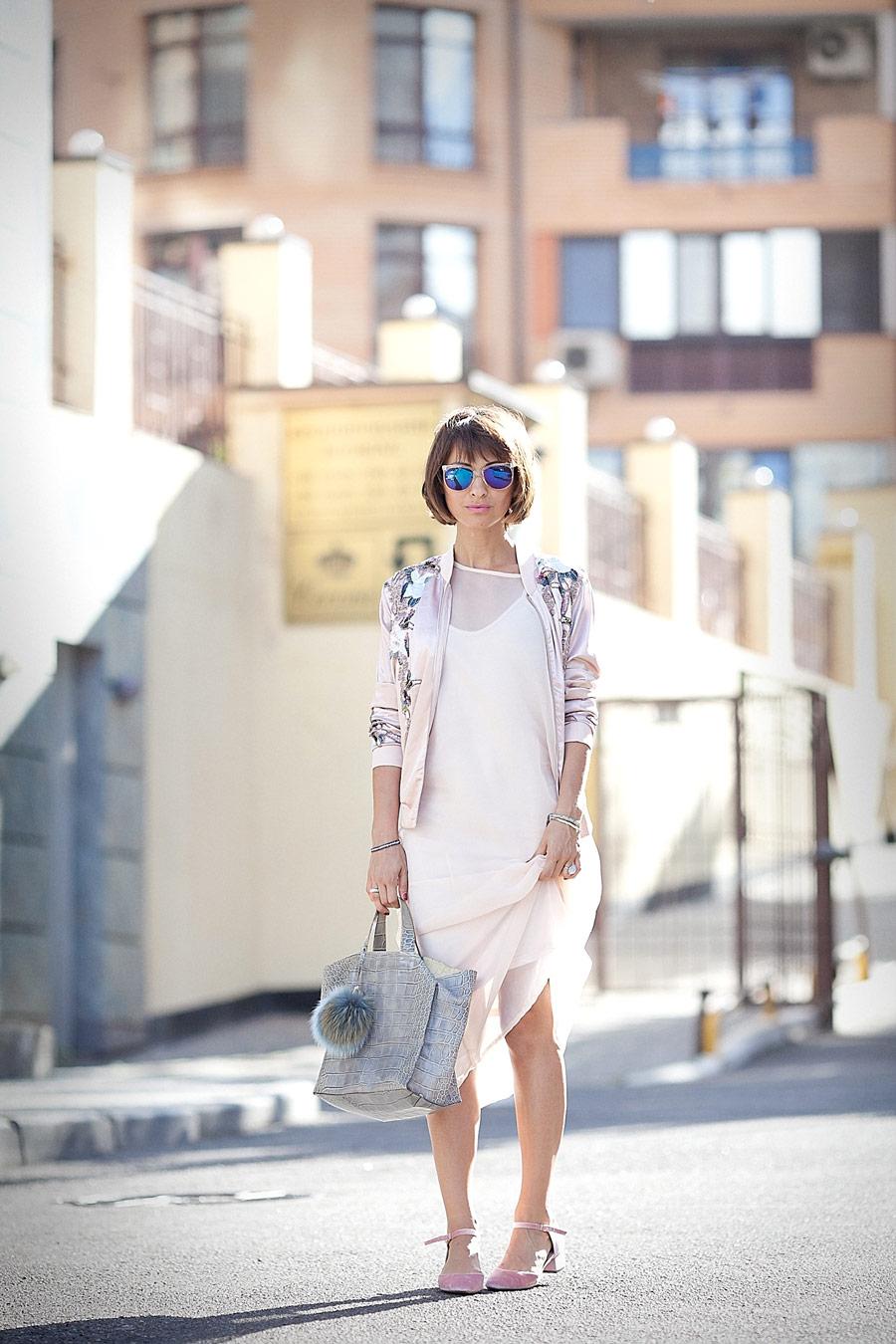 Елена Галант, фешн блоггер, летние луки, образы на лето, сумка furla, женственный образ на лето, как носить пудровые цвета,