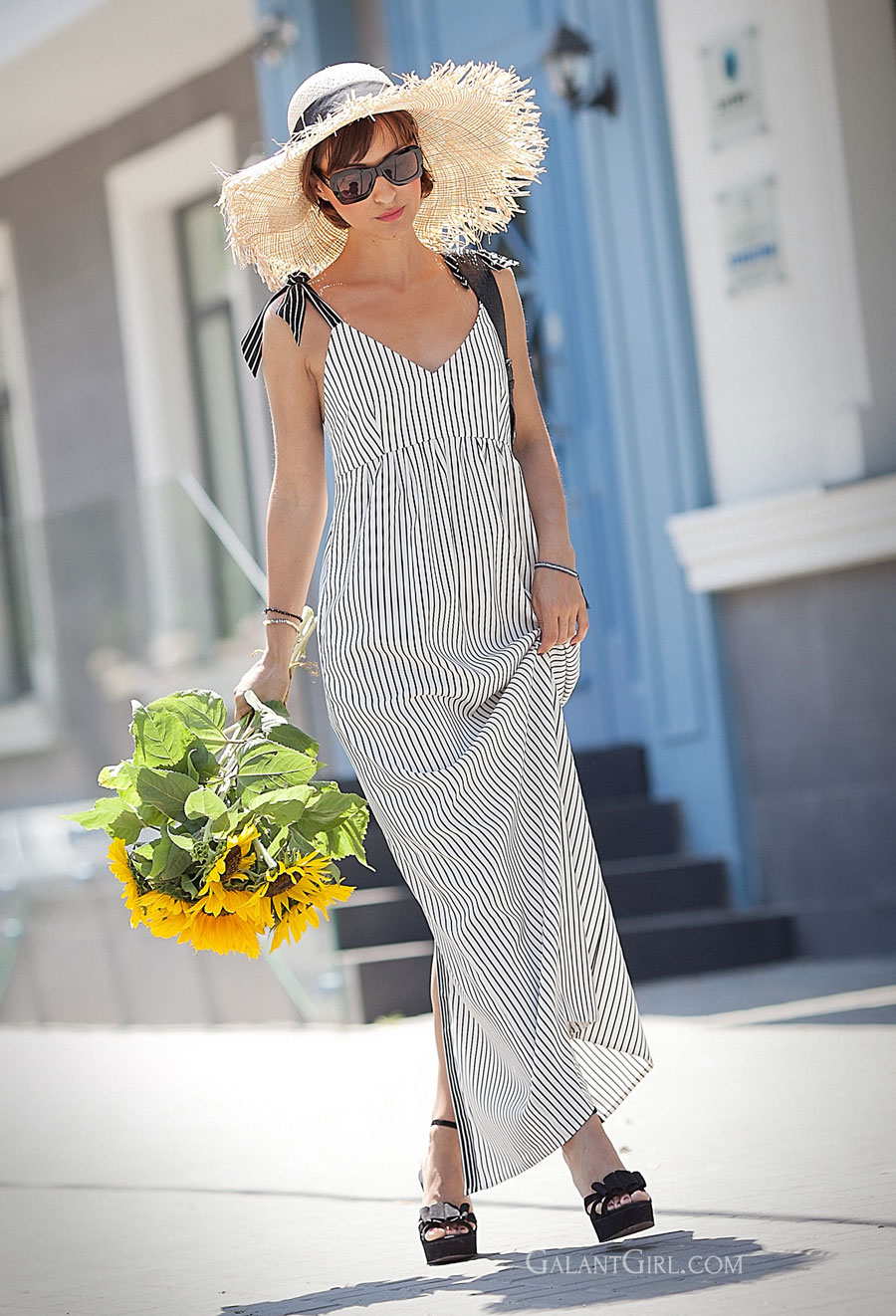 sunflowers, striped summer dress, asos straw hat, floppy hat, best summer outfits,