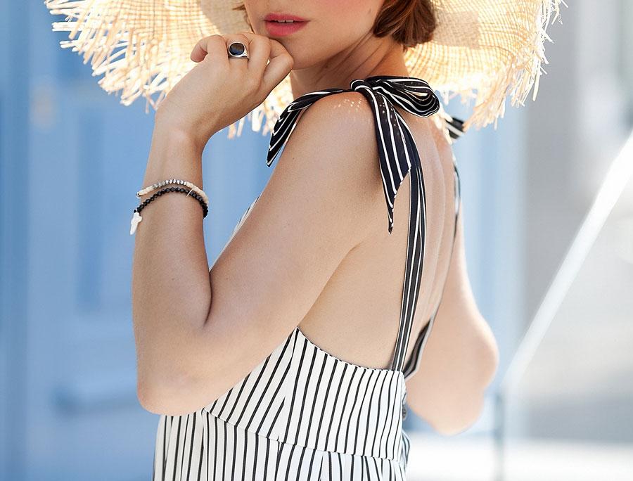 бантики на красивых летних платьях