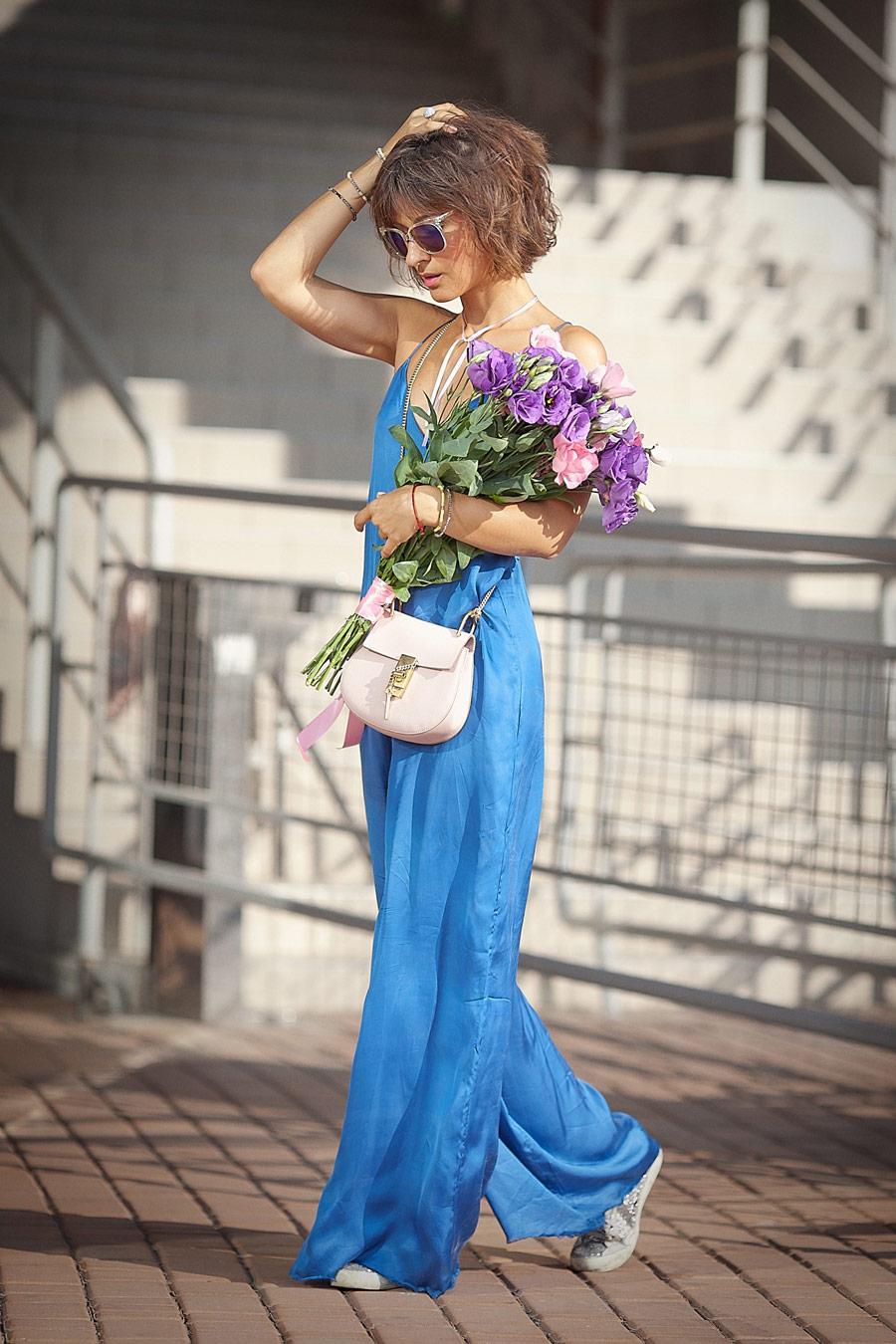 summer street styles, blue satin jumpsuit,