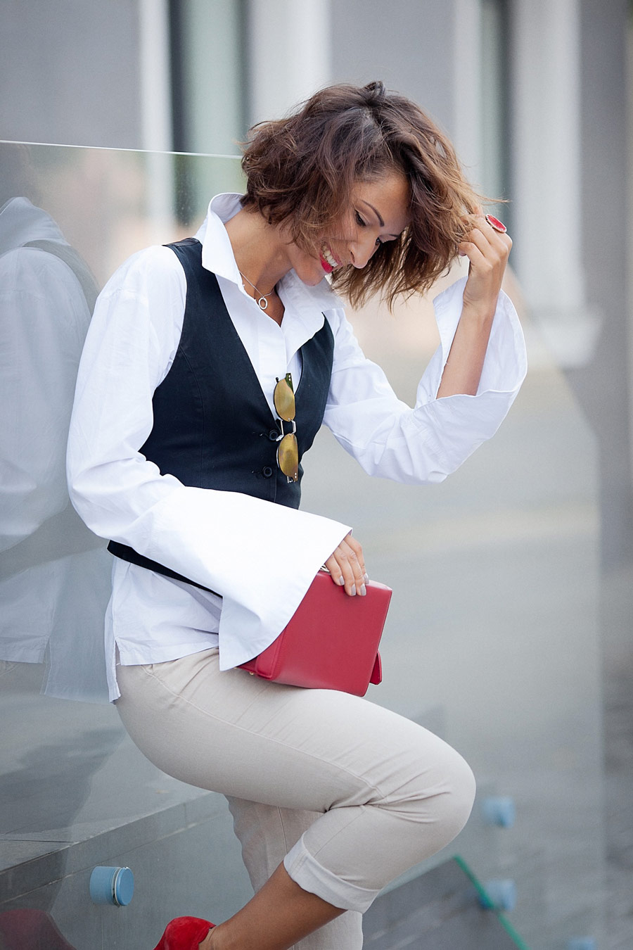 white shirt outfit, suit waistcoat outfit, fashion blogger Ellena Galant Girl,