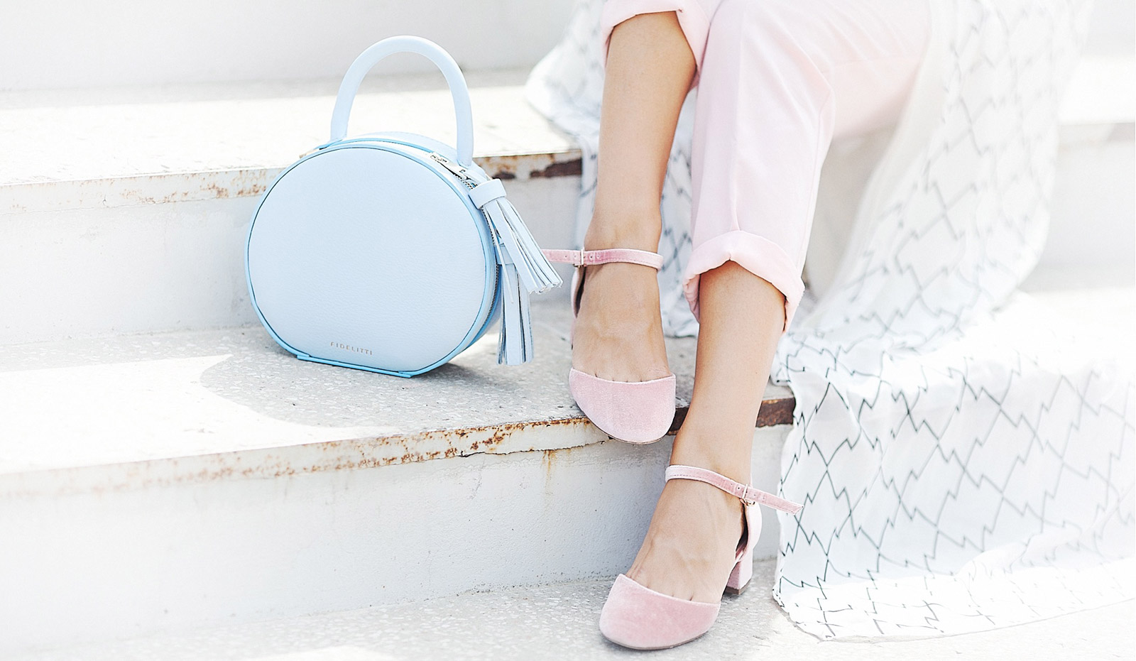 photo pastel-colors-summer-outfit