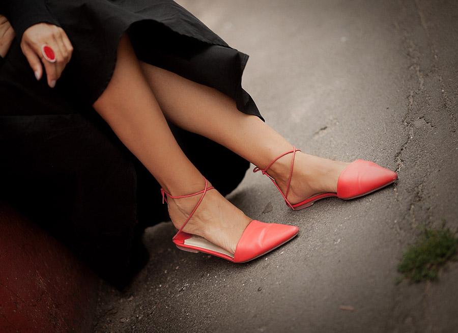 red-flat-mules