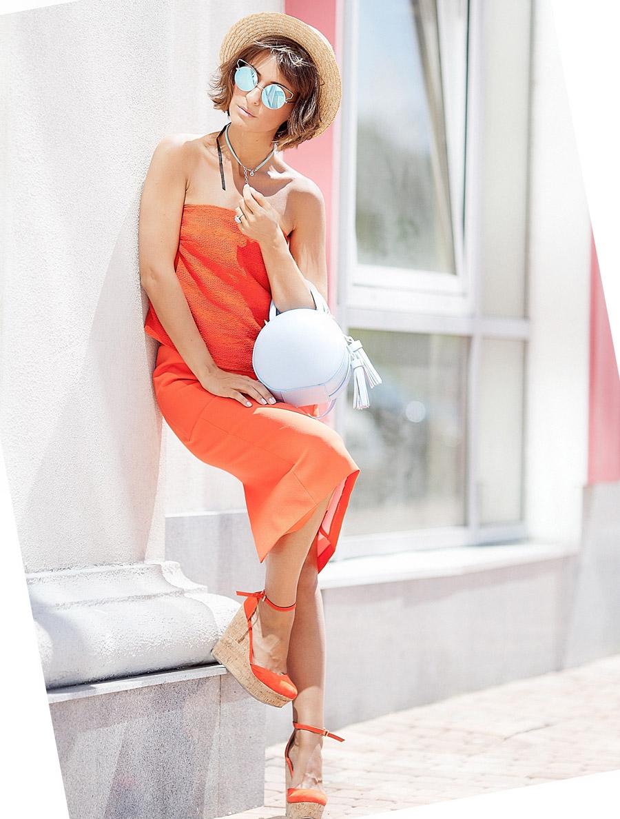 летний образ, ретро летний стиль, что надеть летом, женственный летний лук, как носить красное платье, что надеть с красным платьем, фешн блог Елены Галант,