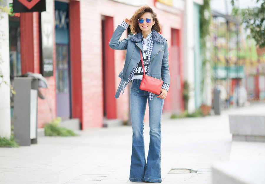 flare jeans outfit, celine trio bag, biker jacket outfits, total denim, fall outfits,