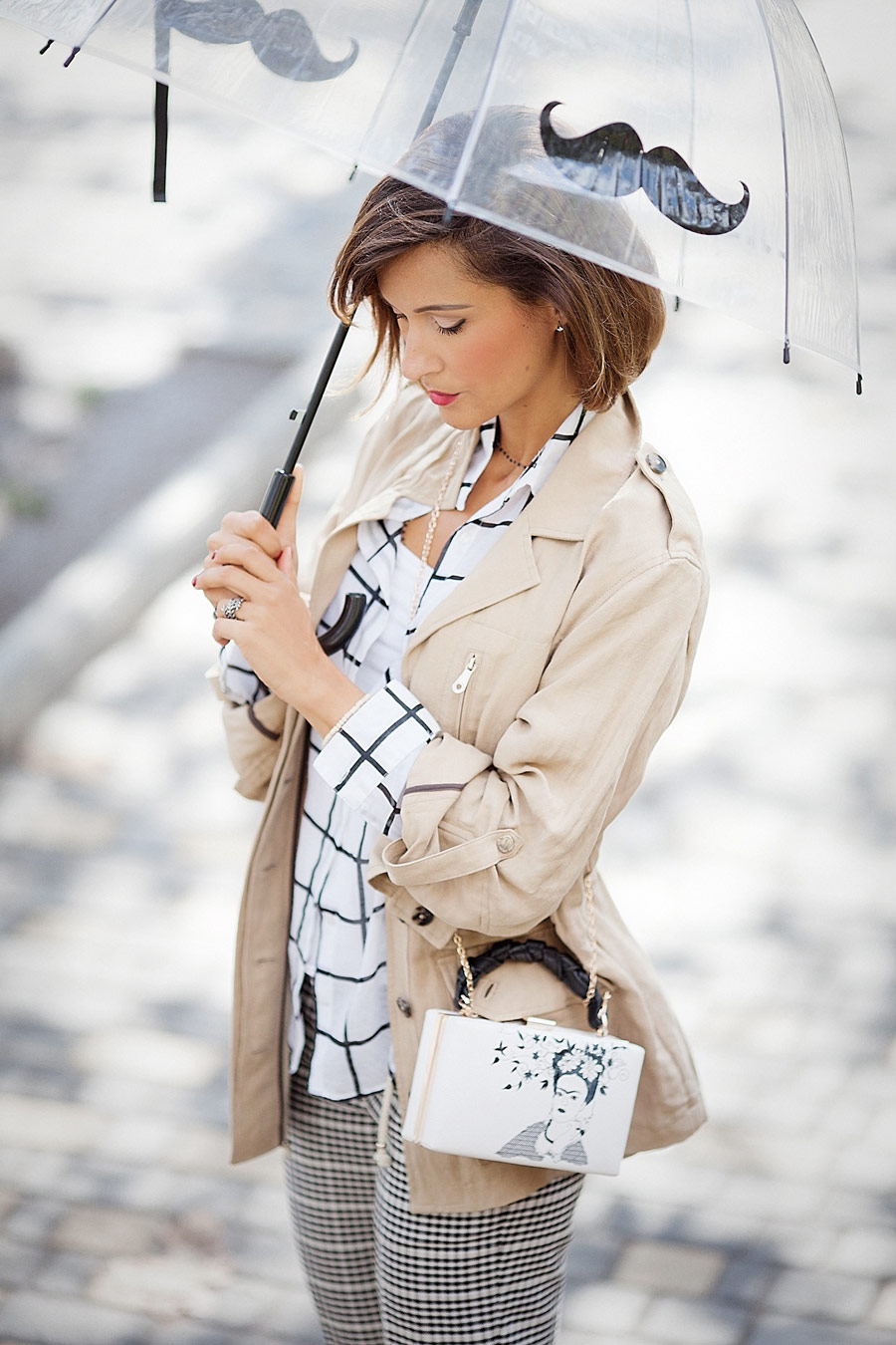 parka coat outfit, umbrella outfits, mix of prints,