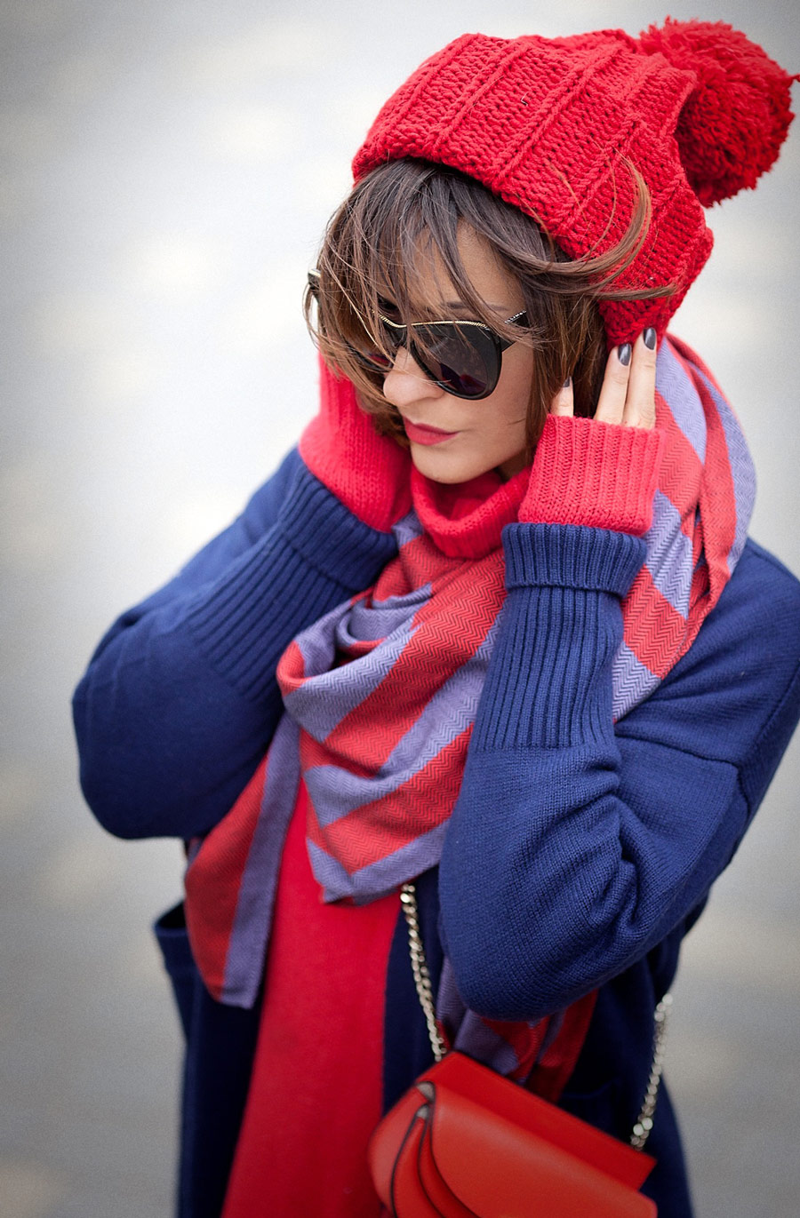 navy blue and red,