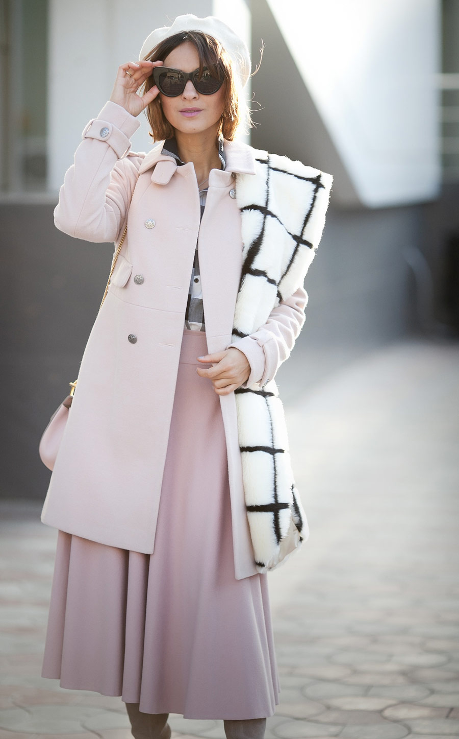 blush coat outfit, blush skirt outfit, rose quartz total outfit, fall outfits, faux fur scarf, wool beret outfit, Ellena Galant, Елена Галант, лук в пастельных тонах, розовое пальто,