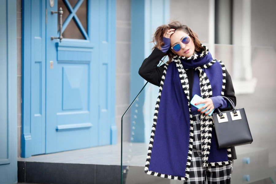 winter-outfits-to-try-right-now_sophie-hulme-bag-outfit