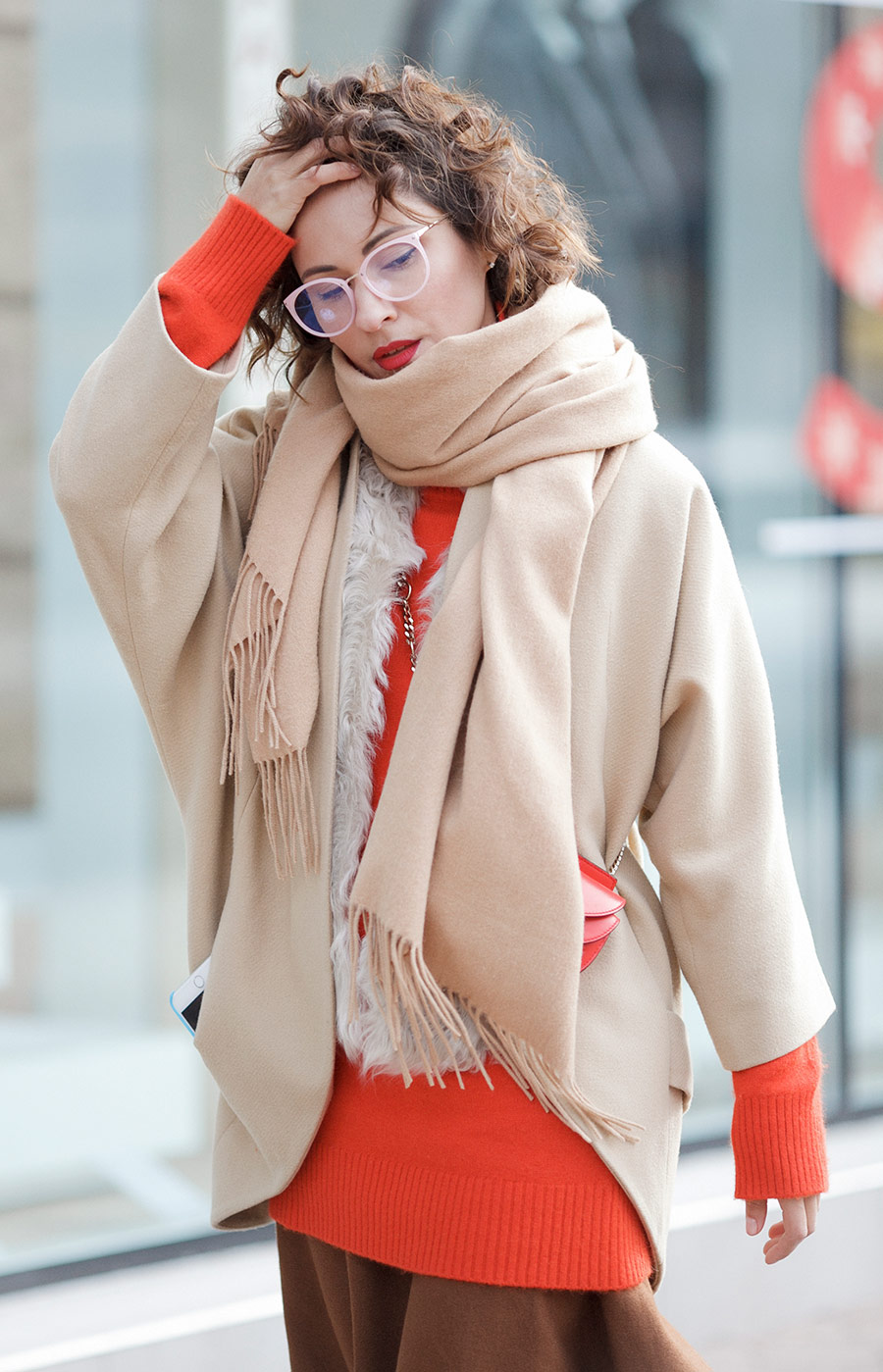 camel coat, street style photo, street styles for winter, winter outfits, chic style winter outfits, Ellena Galant,