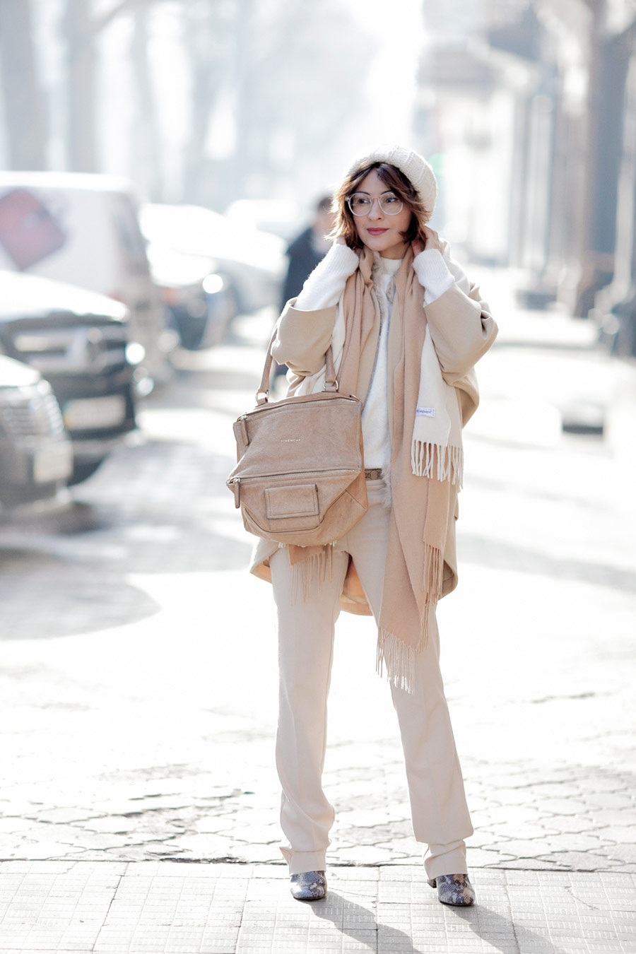 camel coat outfit, givenchy pandora bag outfit, total beige outfit, winter whites, winter outfits,