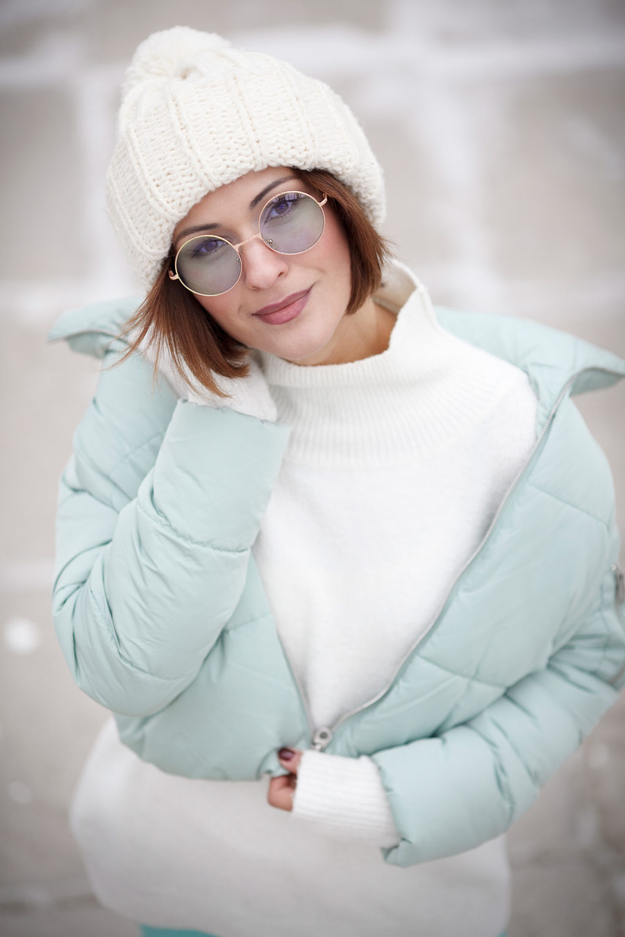 round sunglasses, puffer jacket outfit, puff jacket outfit, down jacket outfit,
