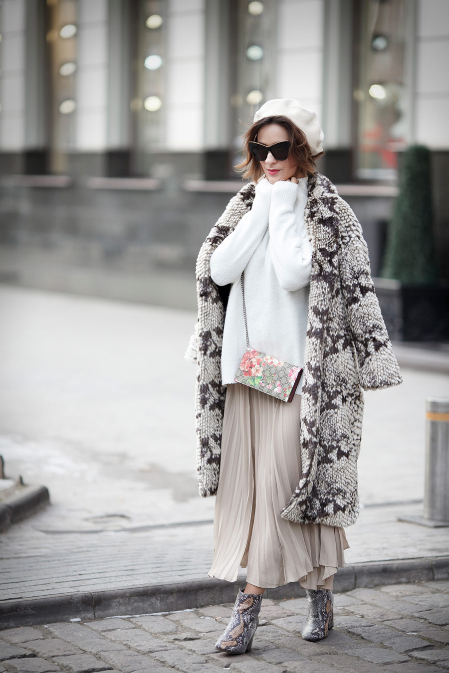 winter outft ideas, fake fur coat outfit, beret outfits, statement boots outfits, gucci blooms bag outfit, Ellena Galant Girl,