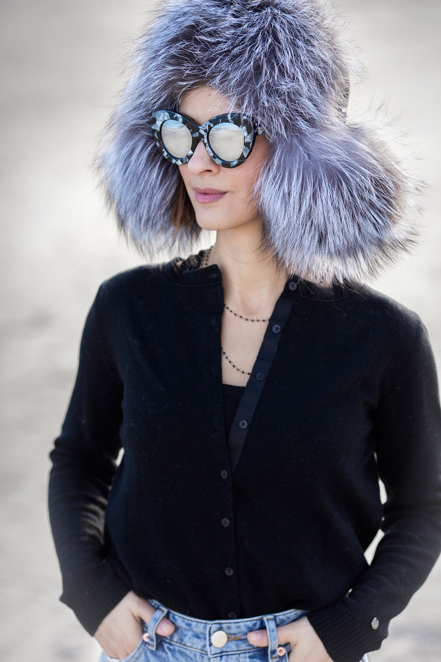 fur_hat_outfit