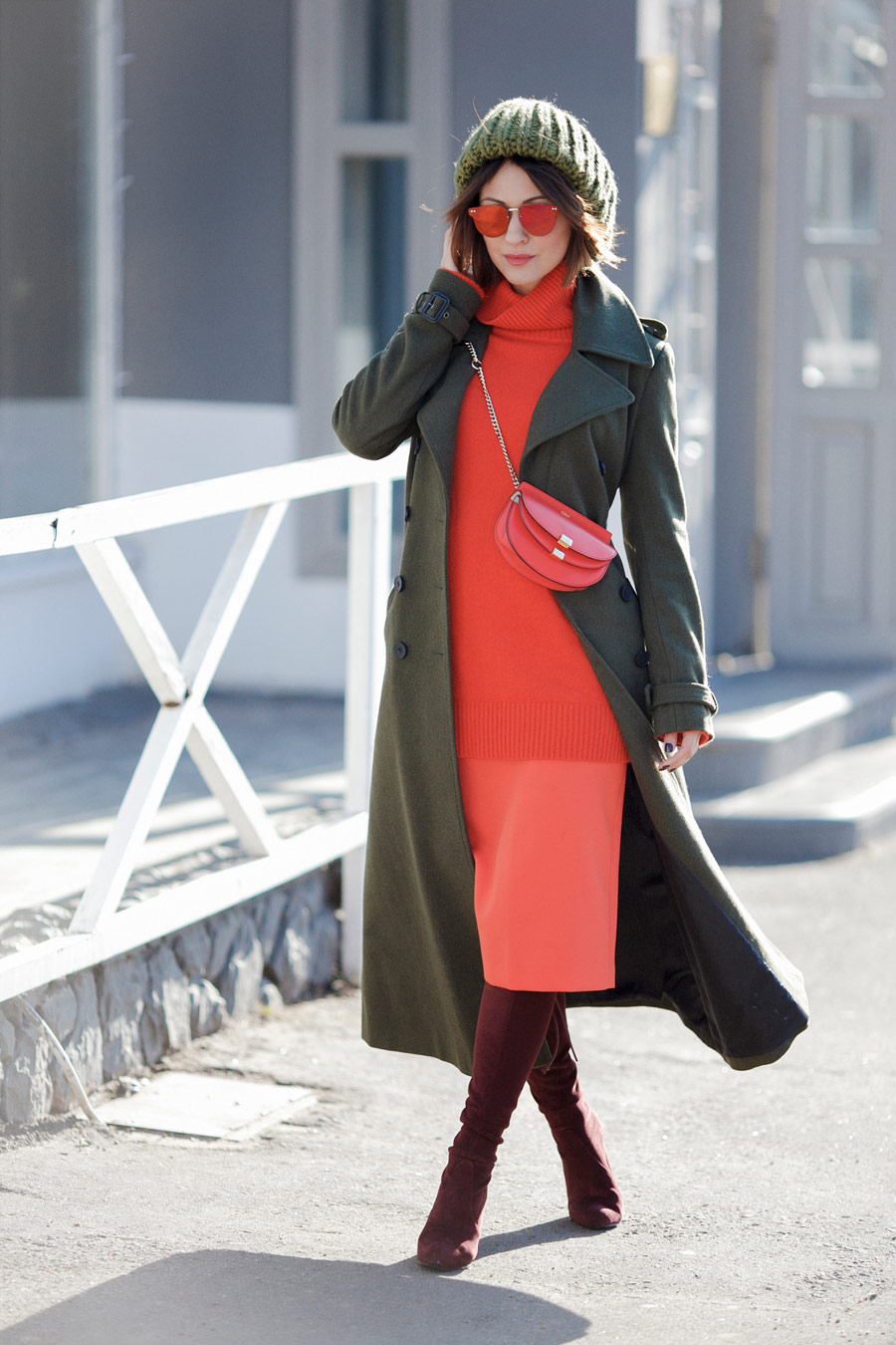 military coat outfit ideas, flare red color outfits,