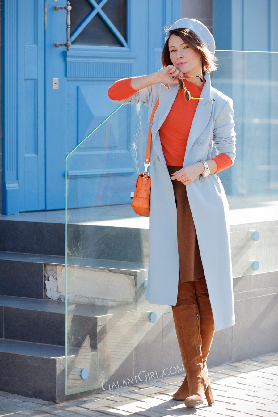 chic street styles, serenity blue coat, Ellena Galant