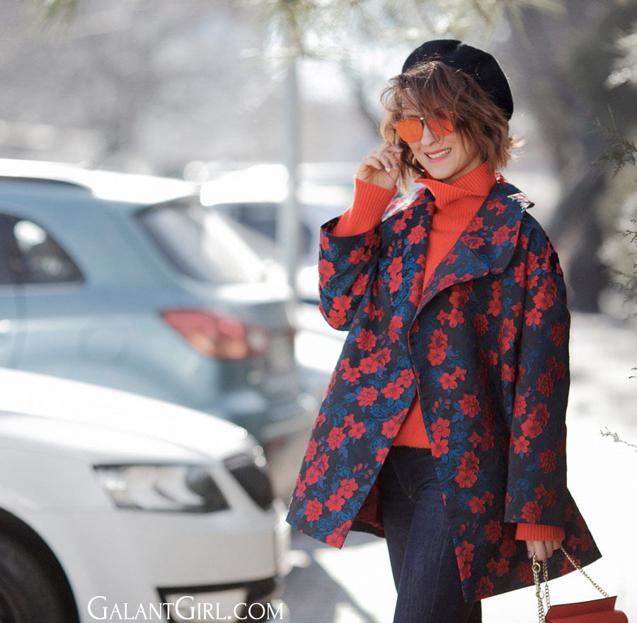 floral prints in fashion, street style floral prints, floral printed coat,
