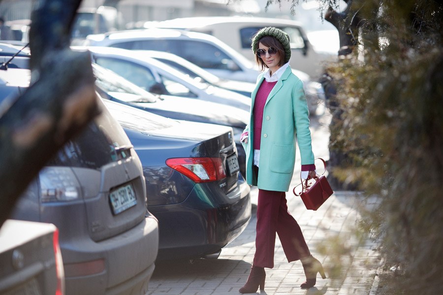 how_to_wear_mint_colours-Spring_street_style_ideas