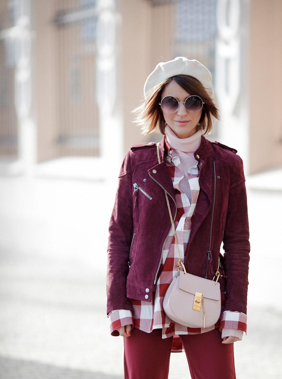 beret outfit ideas, образы с беретом, как носить берет, наряды с беретом, chloe drew bag outfits, moto jacket in burgundy,