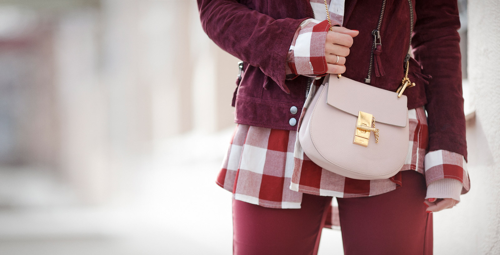 chloe_drew_bag_in_Pink_outfits