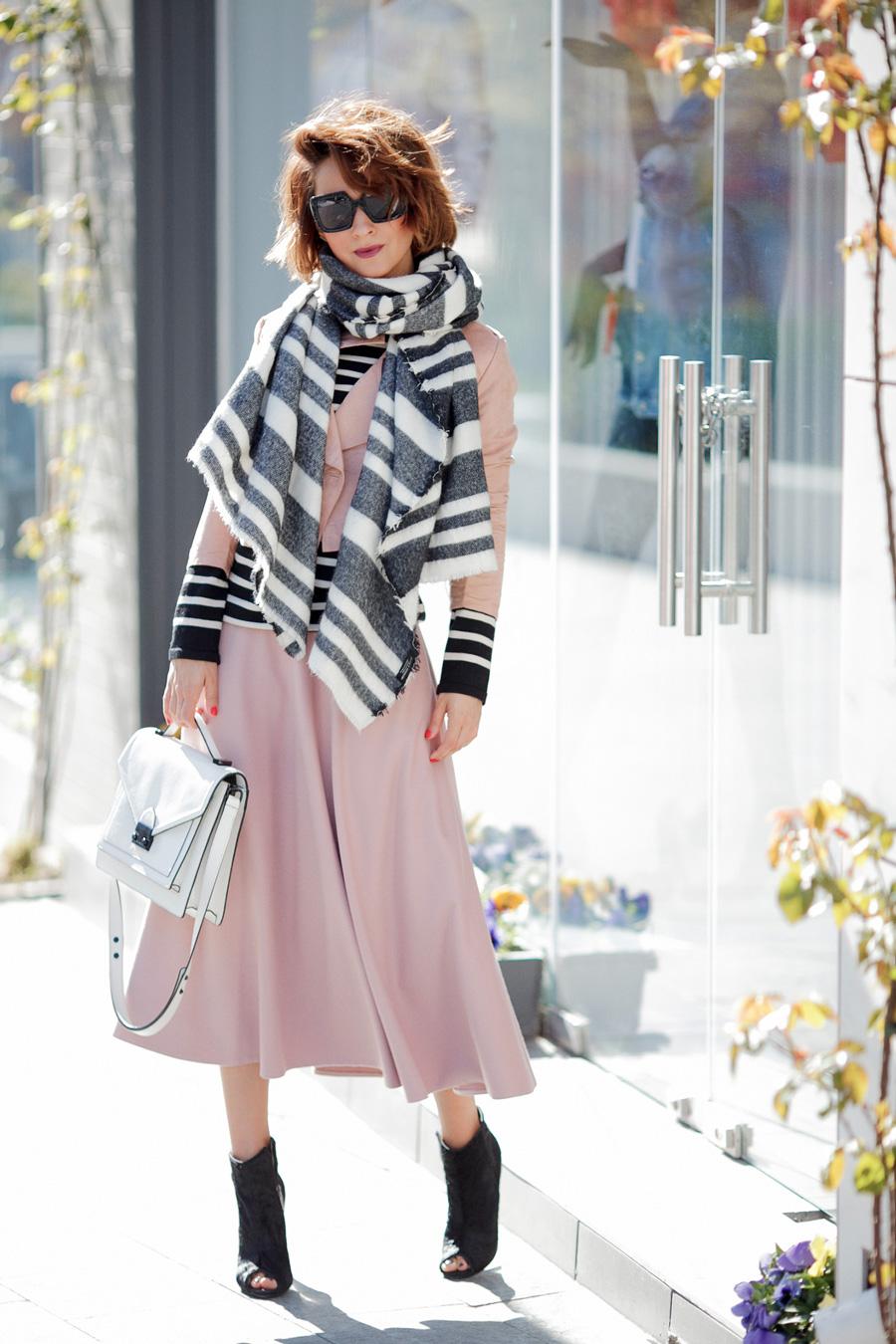 how to wear midi skirt, midi skirt outfits,