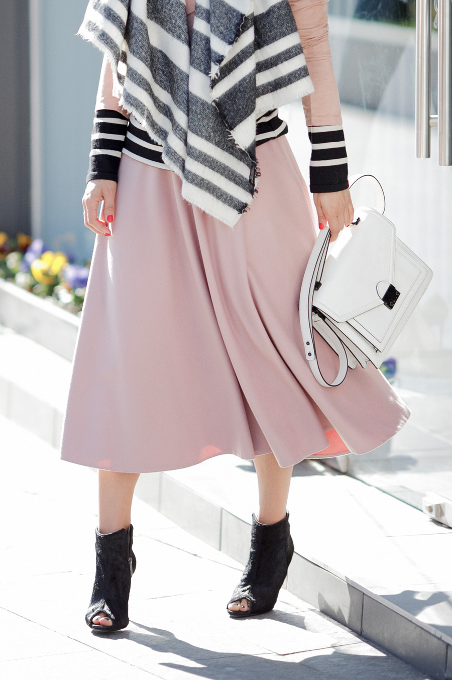 midi_skirt_outfit_ideas_to_try