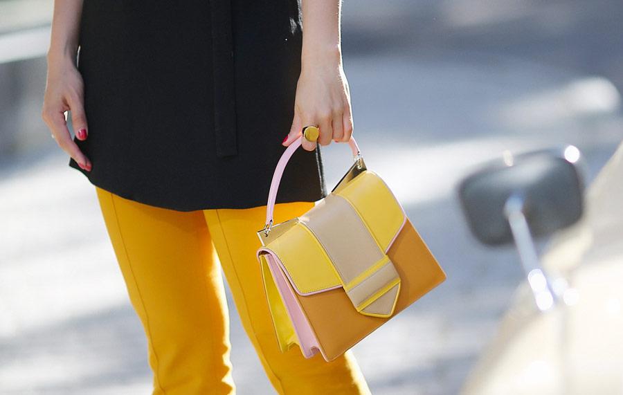 sara_battaglia_handbag_outfits