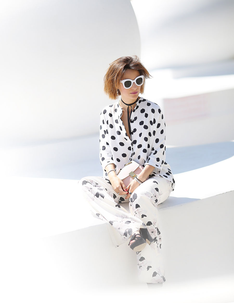 summer outfit ideas,polka dot blouse outfits, floral trousers, floral printed pants,