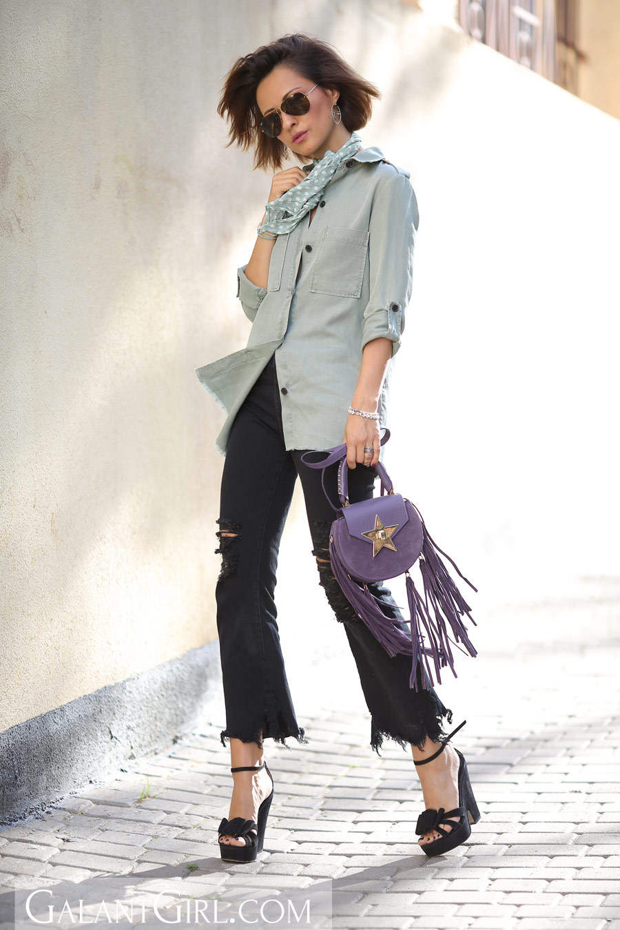 military shirt outfit, ripped hem jeans look, salar handbag outfits,