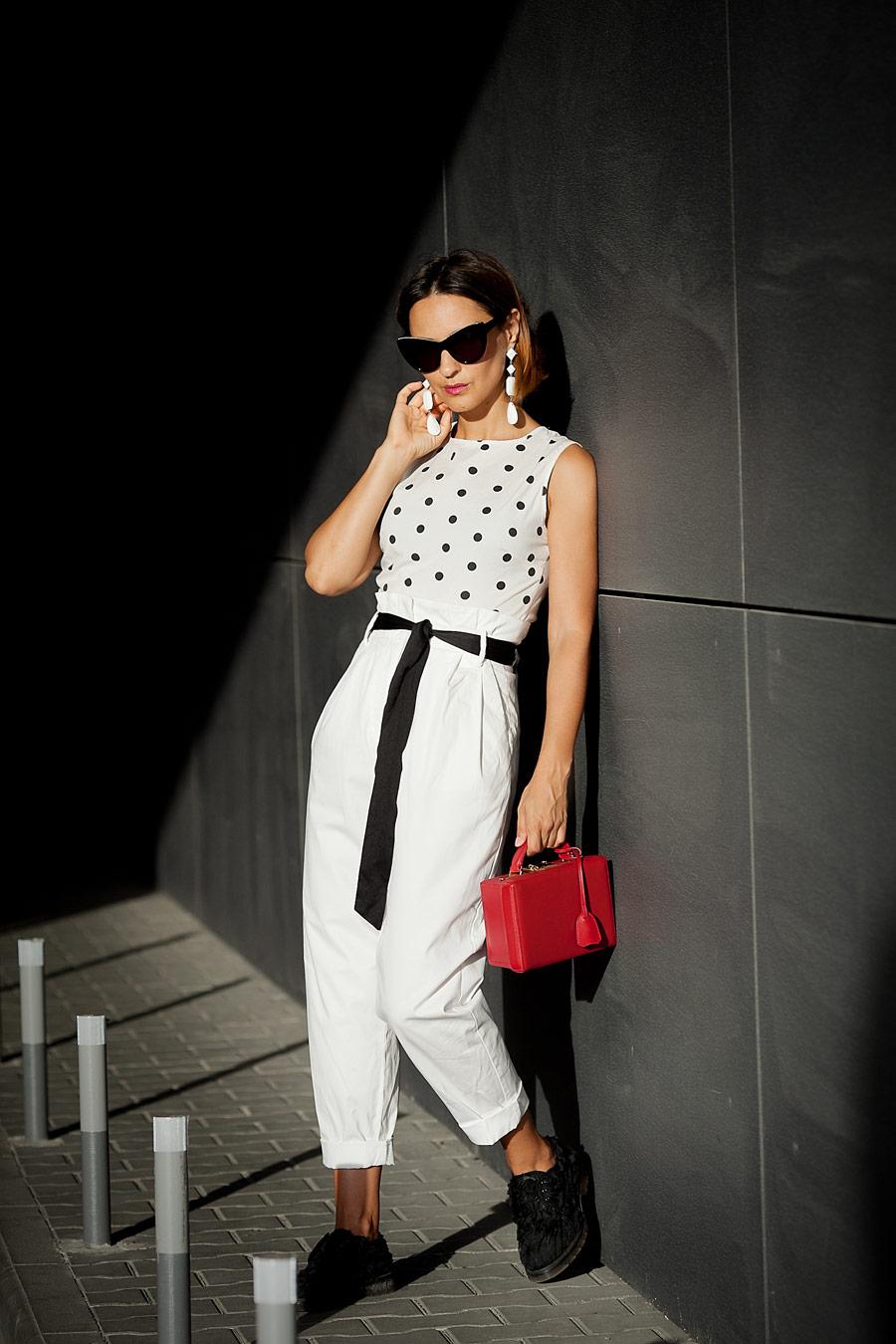 С ЧЕМ НОСИТЬ БЕЛЫЕ БРЮКИ, КАК НОСИТЬ БЕЛЫЕ БРЮКИ, HOW to wear white trousers